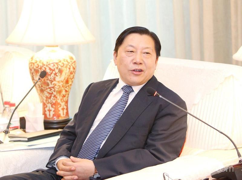 实现中华民族伟大复兴的中国梦做出贡献 网络名人应自觉传播