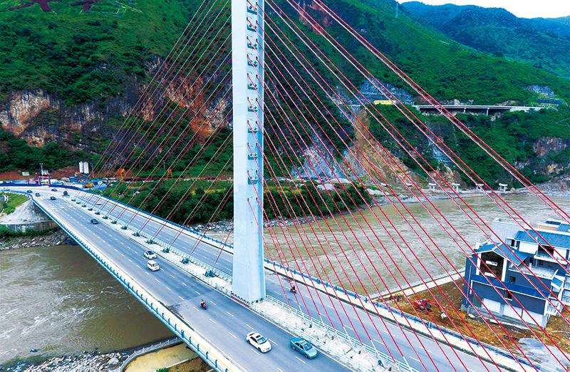 胡锡进:党领导的强大体制对中国意味着什么