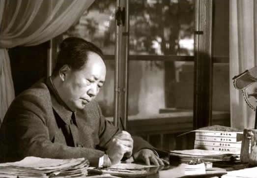 日夜想念毛主席歌谱-网评 毛泽东为何总是让人心往神追