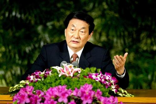 新中国辉煌六十年看朱镕基总理十八大经典话语 (19)